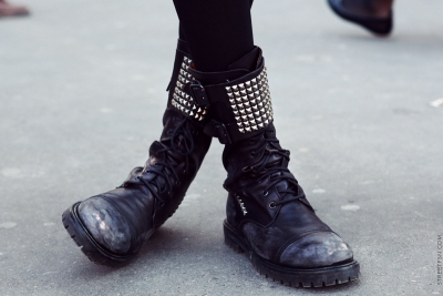 9e83d07a31 Αν δεν έχεις ήδη κάνει δικά σου τα μαύρα δερμάτινα moto boots
